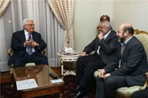 Haniyah e Abbas si incontrano al Cairo per la prima volta dopo 4 anni