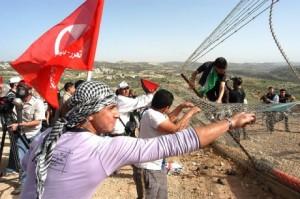 Decine di feriti nella repressione delle proteste a Bil'in