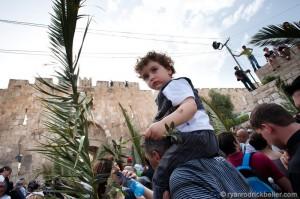 Ashrawi: l'occupazione viola il diritto fondamentale della libertà di culto dei palestinesi