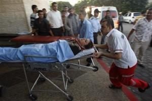 Soldati israeliani sparano, e feriscono al capo, una donna a Khan Younis