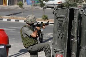 L'esercito israeliano invade Dora, al-Khalil