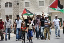 Ma'sara, manifestazione contro il Muro. Proteste anche contro incontro Abbas-Mofaz