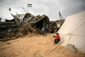 La povertà costringe i bambini di Gaza a cercare lavoro