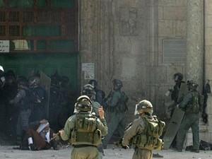 Rapporto: al-Aqsa assaltata da 1600 coloni in una sola settimana