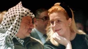 In migliaia ricordano l'anniversario della morte di Arafat