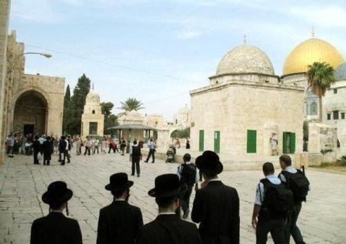 412 israeliani hanno fatto irruzione ad Al-Aqsa la scorsa settimana
