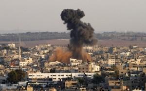 Bombardamenti israeliani contro la Striscia di Gaza: diversi feriti e danni materiali