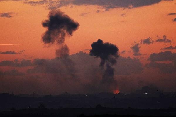 Aggressioni israeliane di terra, cielo e mare contro la Striscia di Gaza