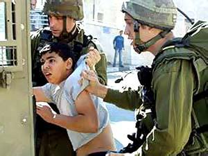 Rapporto: 230 bambini palestinesi nelle carceri israeliane
