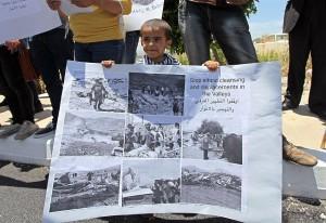 Manifestazioni contro la pulizia etnica in corso nella Valle del Giordano