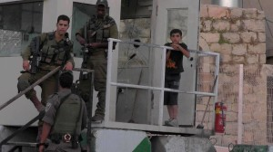 Hebron, bimbo di 9 anni arrestato dai soldati israeliani
