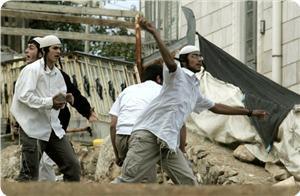 Colono israeliano investe ragazzino palestinese