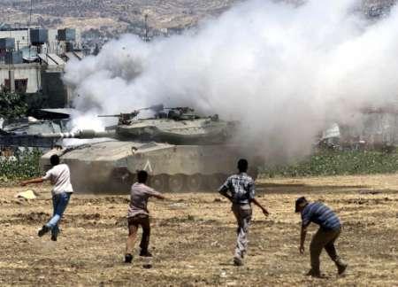 Le forze israeliane feriscono un ragazzo a Nablus