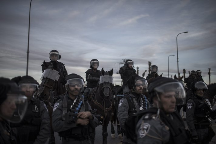 Isreali border police clashes with Bedouins after demonstration against 'Prawer-Begin Bill'