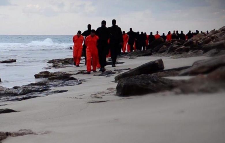 Venti di guerra mondiale in Libia? L'Egitto bombarda siti dell'ISIS