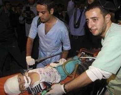Striscia di Gaza, le bombe israeliane continuano a mietere vittime: 3 bimbi feriti