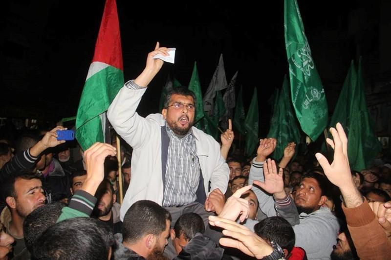 A migliaia manifestano nella Striscia contro la sentenza egiziana su Hamas