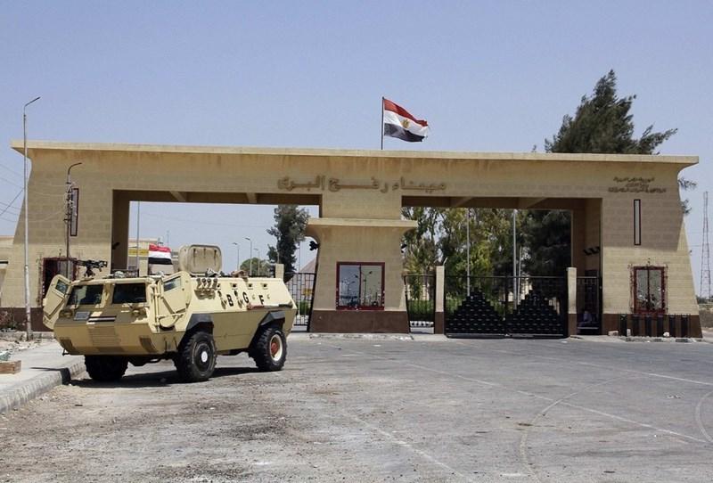 Le fazioni palestinesi chiedono all'Egitto la riapertura del valico di Rafah