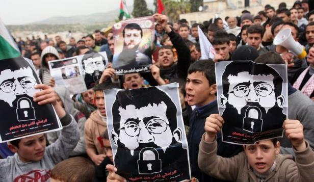 Il prigioniero in sciopero della fame, Khader Adnan, è condannato a un anno di carcere