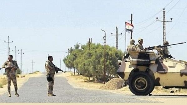 70 soldati e civili egiziani uccisi in attacchi nel Sinai