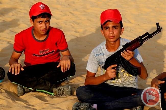Centri estivi di addestramento a Gaza: non è più tempo di giocare