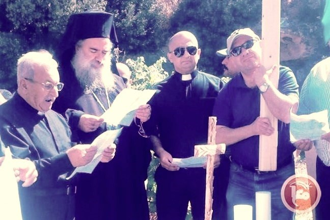 Preghiera cristiana di massa contro insediamenti israeliani a Hebron