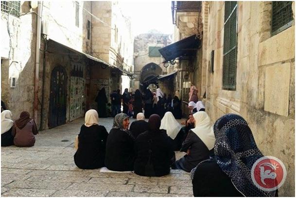 Le restrizioni israeliane intorno ad al-Aqsa continuano