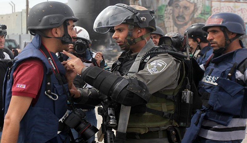 MADA: 50 violazioni della libertà dei media in Palestina ad agosto