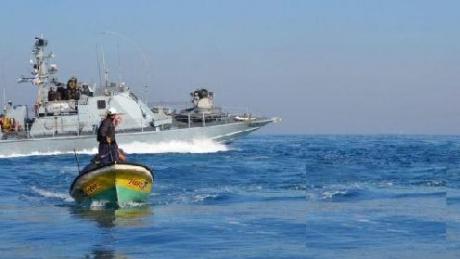 La marina da guerra israeliana ferisce un piccolo pescatore