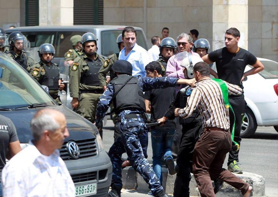 Report dell'EuroMed: nel 2015, le forze di sicurezza palestinesi hanno imprigionato arbitrariamente 2.578 cittadini