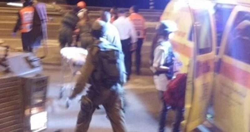 Adolescente palestinese ferita dalle forze israeliane, un'altra arrestata per presunto attacco