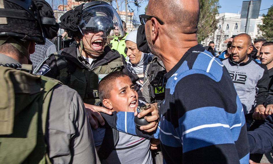 HRW:  la polizia israeliana commette abusi sui bambini detenuti