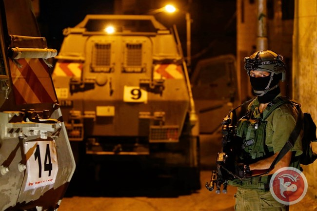 Le forze israeliane arrestano quattro palestinesi durante la Pasqua ebraica