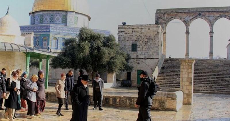 1058 coloni israeliani hanno invaso il complesso di al-Aqsa durante la Pasqua ebraica