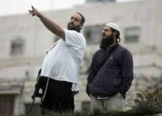 Attacco di coloni contro auto e cittadini di Hebron