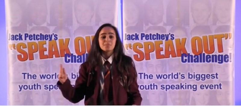 A Londra, premiata adolescente per aver espresso la sofferenza dei Palestinesi