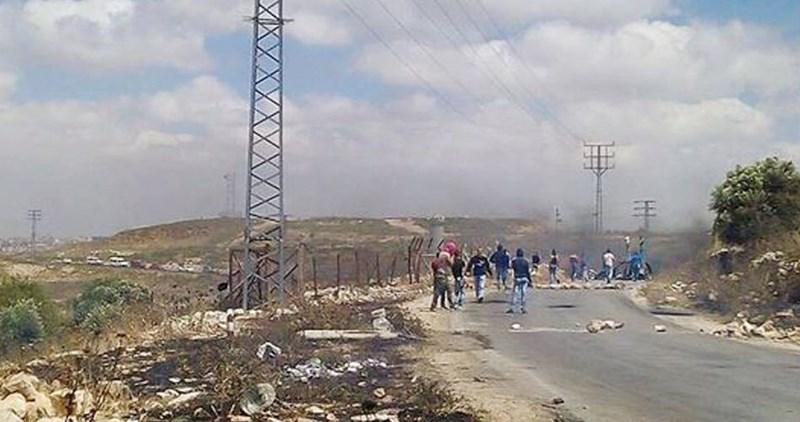 Manifestazioni palestinesi represse dalle forze israeliane: diversi feriti