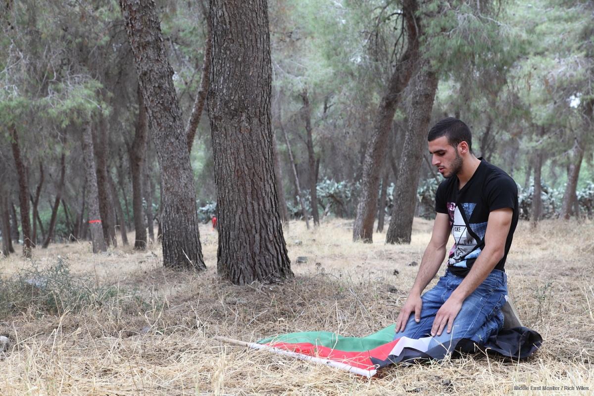 """Viaggi verso """"Casa"""" – Palestinesi sfollati ed i villaggi della Nakba"""