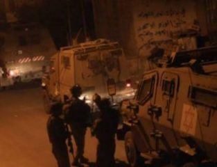 Soldati israeliani rapiscono quattro palestinesi a Gerusalemme