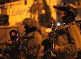 Soldati israeliani rapiscono cinque palestinesi a Nablus e Betlemme