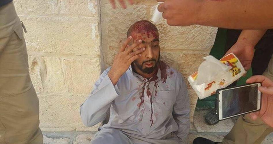 Scontri a al-Aqsa tra fedeli palestinesi e forze israeliane: 5 feriti