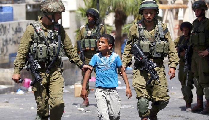65 minorenni palestinesi condannati agli arresti domiciliari