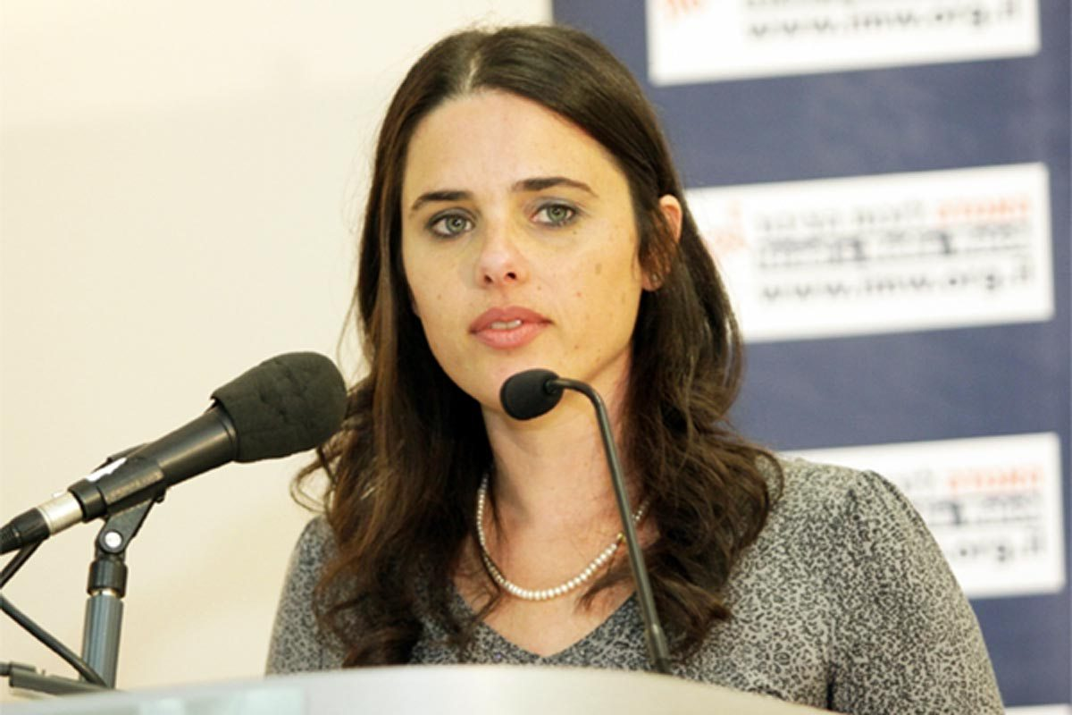 Israele e la libertà di espressione: Fb e twitter cancellano account palestinesi