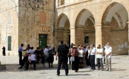 Continua la pulizia etnica della Palestina: mappe che cancellano i luoghi sacri musulmani e cristiani