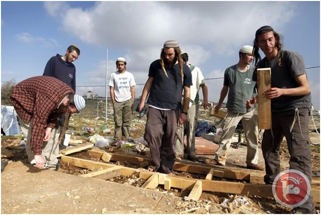 """Coloni israeliani invadono terre a Betlemme e scrivono """"Morte agli Arabi"""""""