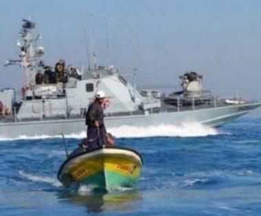 Navi da guerra israeliane attaccano imbarcazioni gazawi: 7 pescatori rapiti