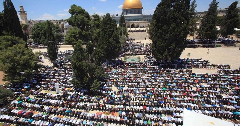 Venerdì 45.000 fedeli hanno pregato a al-Aqsa
