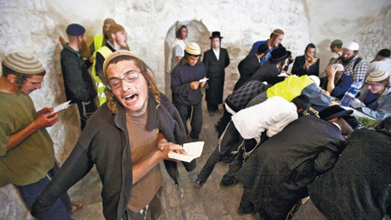 Coloni israeliani hanno invaso Nablus