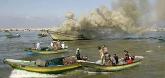 La Marina israeliana spara contro pescherecci gazawi: 1 pescatore rapito