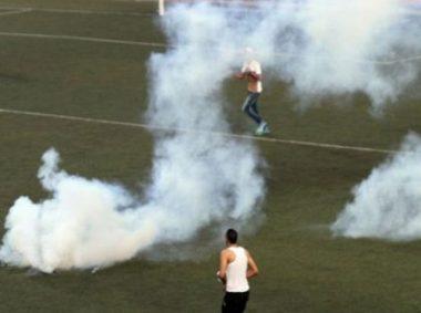 Gerusalemme, decine di intossicati durante partita di calcio a causa dei lacrimogeni israeliani
